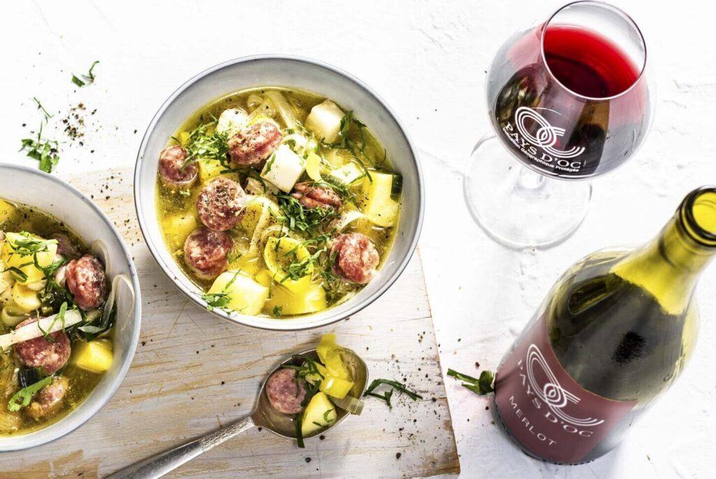 Kartoffel-Sellerie-Eintopf mit Salsiccia & Pays d'Oc IGP Merlot