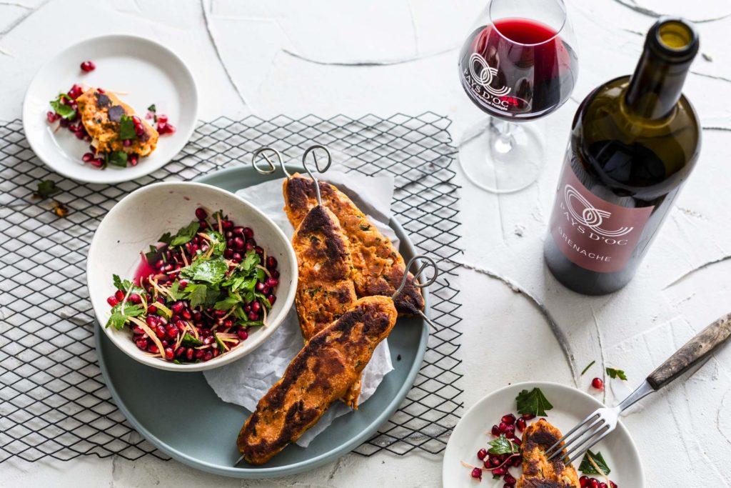 Rote-Linsen-Köfte mit Granatapfel-Petersilien-Salat & Pays d'Oc IGP Grenache Noir